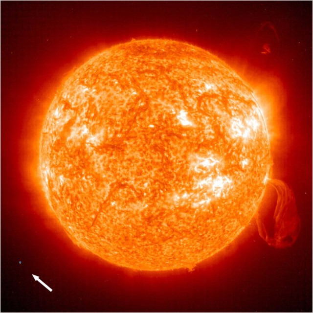 Keeping things in perspective. The size of the Sun and the size of the Earth. Photo: http://www.solarsystemquick.com.